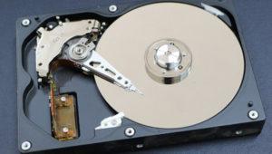 Cómo eliminar las aplicaciones ocultas de Windows 10 para liberar espacio en el disco duro