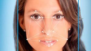 Cómo desactivar el reconocimiento facial de la app Fotos de Windows 10