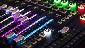 Cómo descargar efectos de sonido y cambiarlos en Windows 10