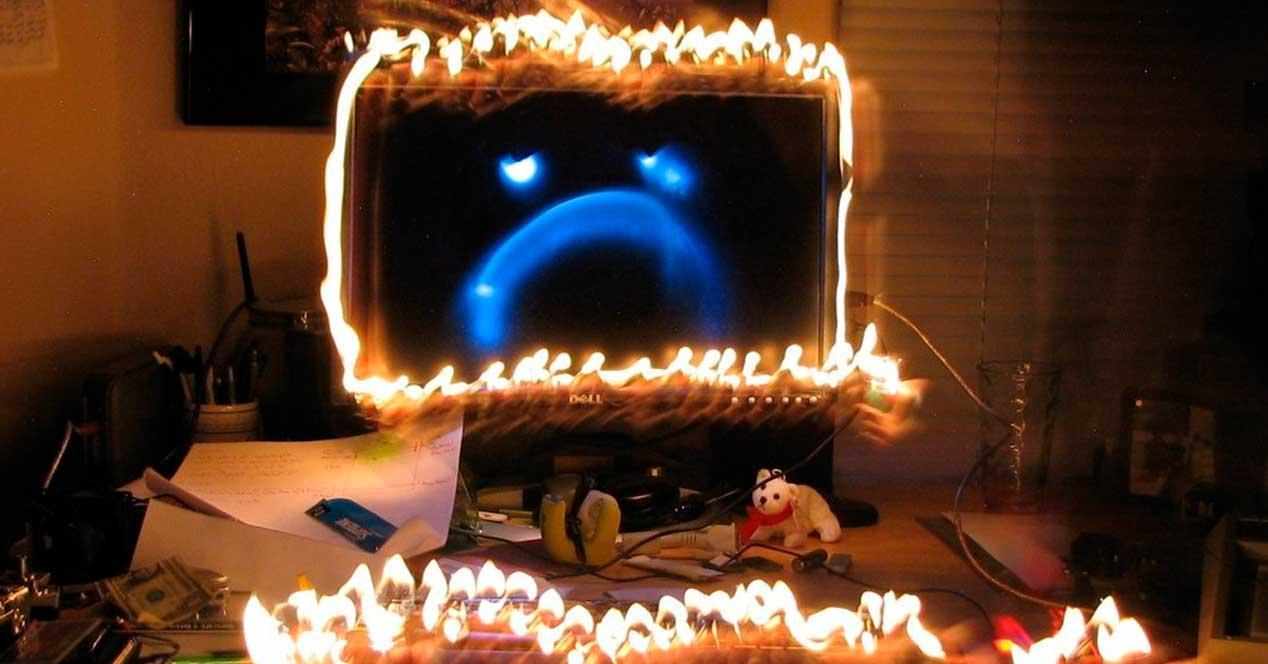 PC fuego triste