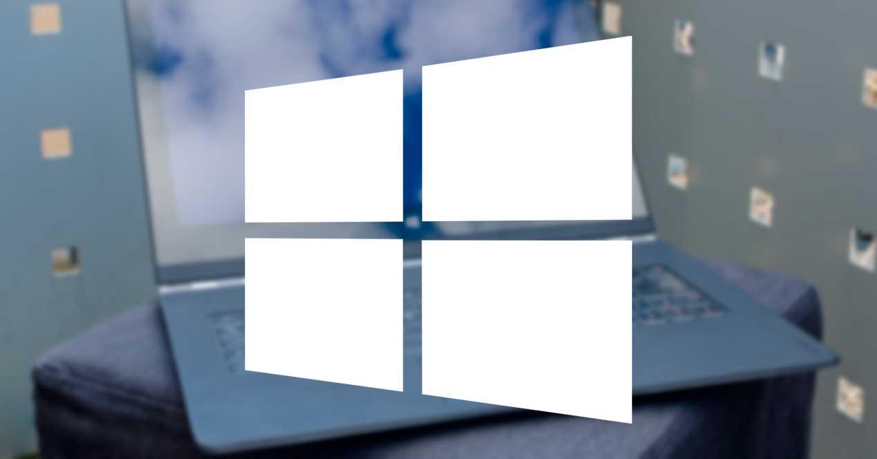 Portátil con Windows 10 logo
